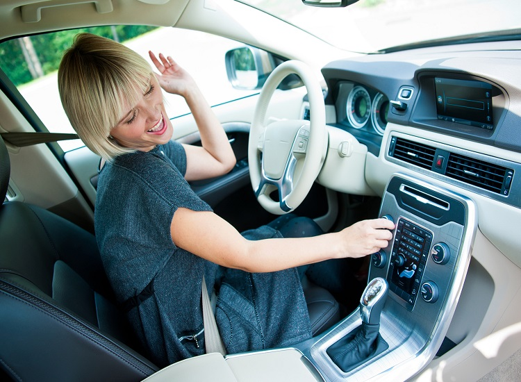 Great Road Trip Songs to Play in Your Pontiac Cars and Tips for Great Road Trips